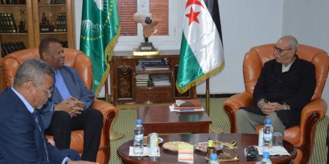 رئيس الجمهورية يستقبل ممثل المفوض السامي لشؤون اللاجئين بالجزائر