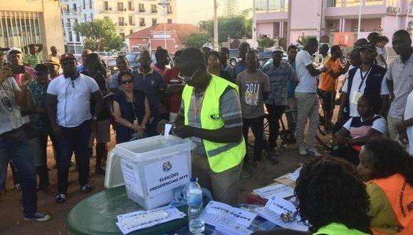 """غينيا بيساو: مراقبون دوليون يشيدون ب""""السير الحسن"""" للإنتخابات الرئاسية"""