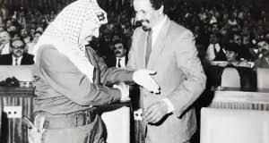 وفاة ياسر عرفات: الفلسطينيون يحيون الذكرى 15 لرحيل الرئيس الرمز
