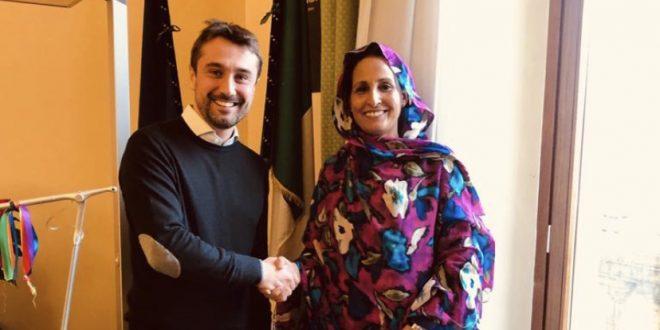"""ممثلة جبهة البوليساريو في إيطاليا تجري مباحثات ثنائية مع عمدة بلدية """"دي سيستو فيرونتينو"""""""