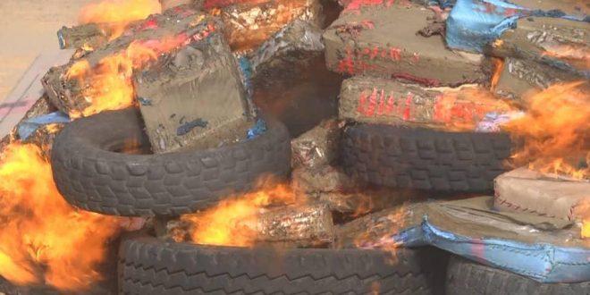 الجيش الصحراوي يتلف كمية من المخدرات قادمة من المغرب تم حجزها بمنطقة أغوينيت