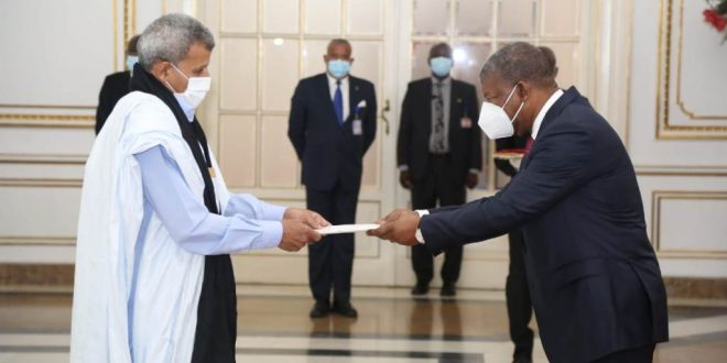 حمدي الخليل ميارة يقدم أوراق إعتماده للرئيس الأنغولي كسفير مفوض فوق العادة للجمهورية الصحراوية