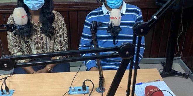 السفير الصحراوي بأنغولا يستعرض تطورات القضية الوطنية عبر راديو سكولا الأنغولي